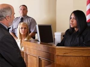 Иммиграционный адвокат